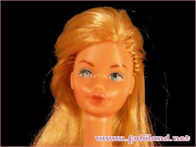 Barbie Kissing